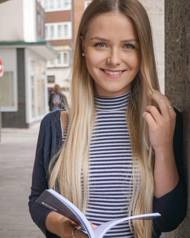 Celine Nadolny - Frau - Finanzbloggerin - hübsch